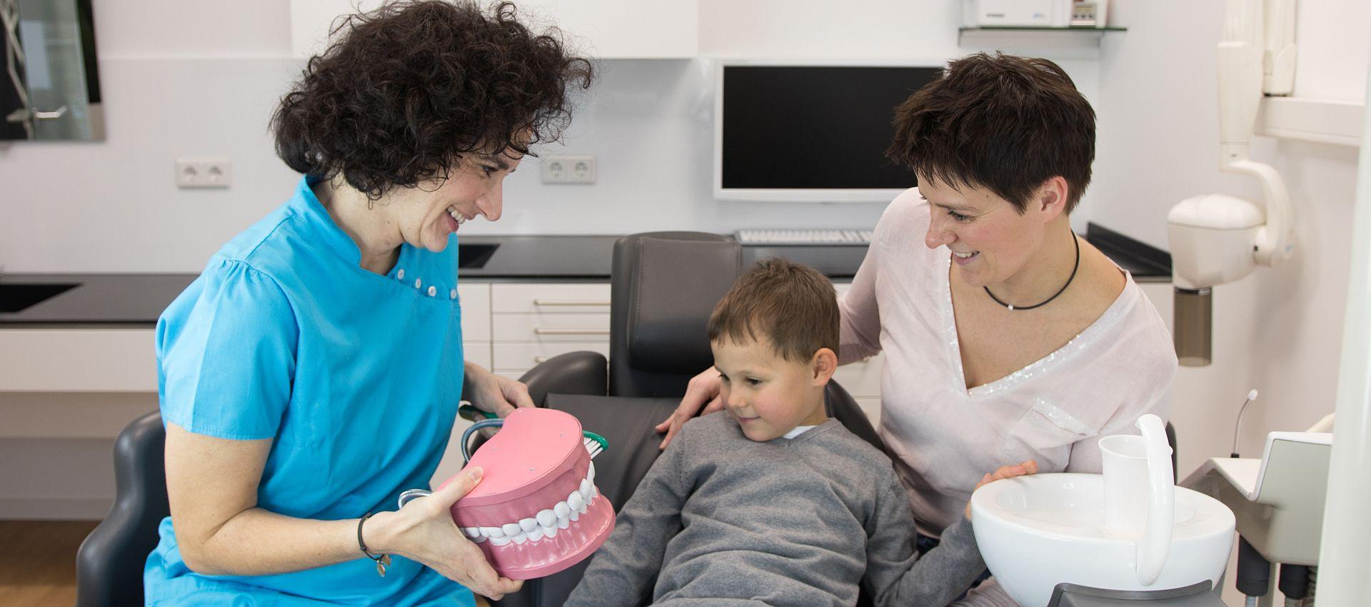 Kinderzahnarzt - Eltern fragen
